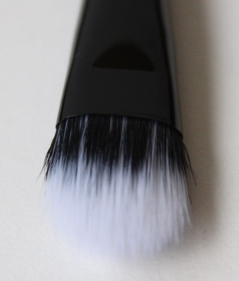 e.l.f. Studio Eyeshadow Stipple Brush