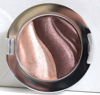 Essence 3D EyeShadow in Irresistible Choco Cupcake
