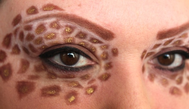 Giraffe Eyes
